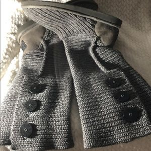 UGG AUSTRALIA KNITTED BOOTS WITH BIG BLACK BUTTONS